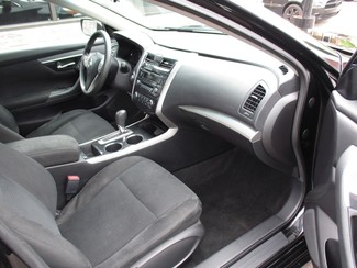 2014 Nissan Altima 2.5 S Milwaukee, Wisconsin 17