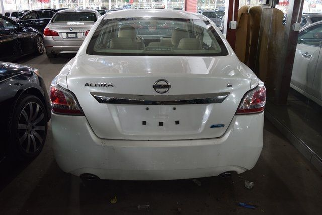 2014 Nissan Altima 2.5 S Richmond Hill, New York 3