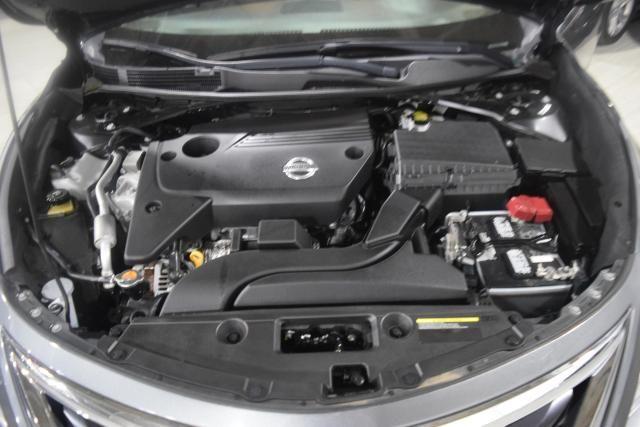 2014 Nissan Altima 2.5 S Richmond Hill, New York 13
