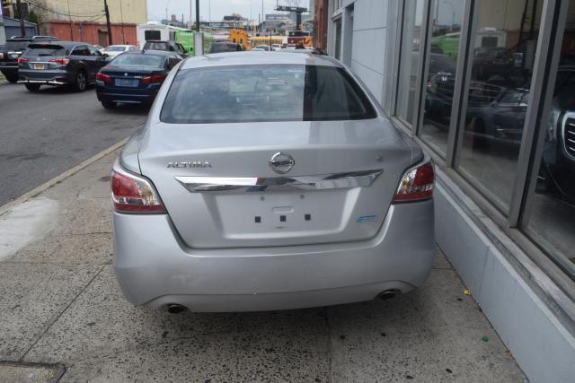 2014 Nissan Altima 2.5 Richmond Hill, New York 3