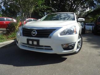 2014 Nissan Altima SL TECH. NAVI. SUNRF. CAM. BLIND SPOT. BOSE SOUND SEFFNER, Florida 10