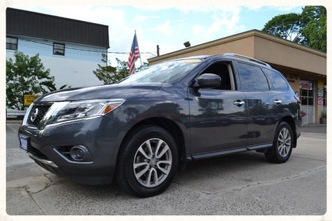 2014 Nissan Pathfinder SV in Lynbrook, New