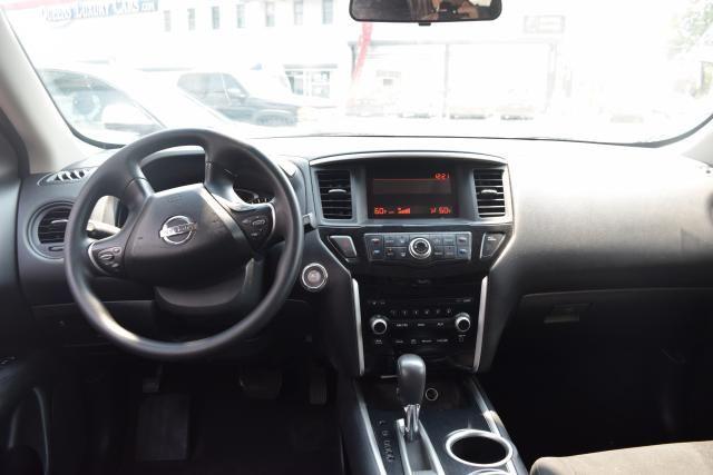 2014 Nissan Pathfinder S Richmond Hill, New York 8