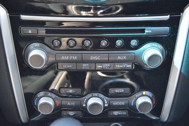 2014 Nissan Pathfinder SV Richmond Hill, New York 27