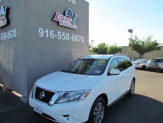 2014 Nissan Pathfinder SV Like New Sacramento, CA 1