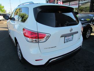 2014 Nissan Pathfinder SV Like New Sacramento, CA 10