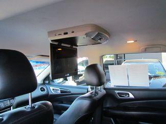 2014 Nissan Pathfinder SV Like New Sacramento, CA 16