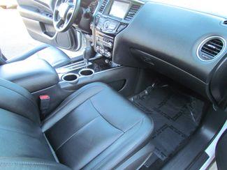 2014 Nissan Pathfinder SV Like New Sacramento, CA 19