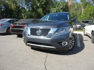 2014 Nissan Pathfinder SL 4X4. LEATHER. PWR TAILGATE Tampa, Florida 4
