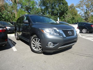 2014 Nissan Pathfinder SL 4X4. LEATHER. PWR TAILGATE Tampa, Florida 5
