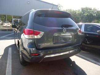 2014 Nissan Pathfinder SL 4X4. LEATHER. PWR TAILGATE Tampa, Florida 8