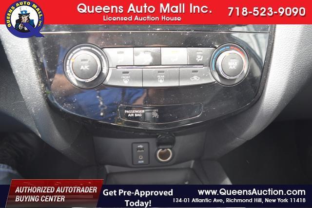2014 Nissan Rogue S Richmond Hill, New York 12