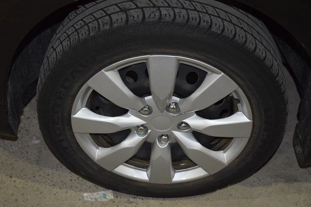 2014 Nissan Sentra S Richmond Hill, New York 9