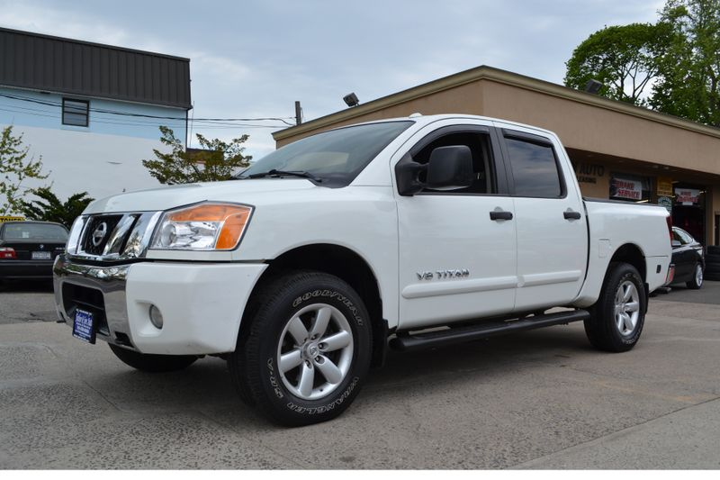 2014 Nissan Titan SV  city New  Father  Son Auto Corp   in Lynbrook, New