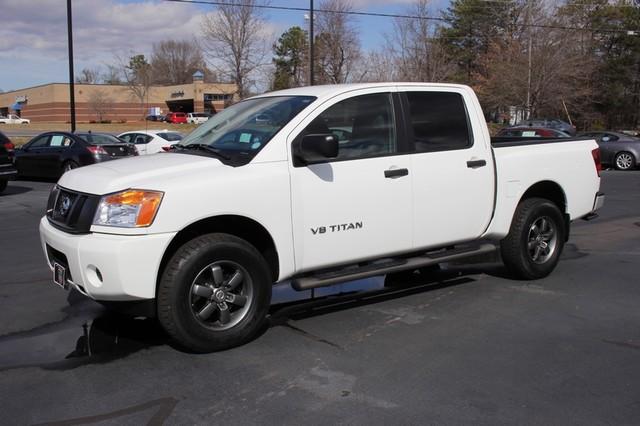 2014 Nissan Titan Crew Cab 4x4 - POPULAR PKG! - NEW TIRES! Mooresville , NC 19