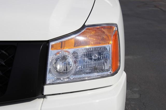 2014 Nissan Titan Crew Cab 4x4 - POPULAR PKG! - NEW TIRES! Mooresville , NC 31