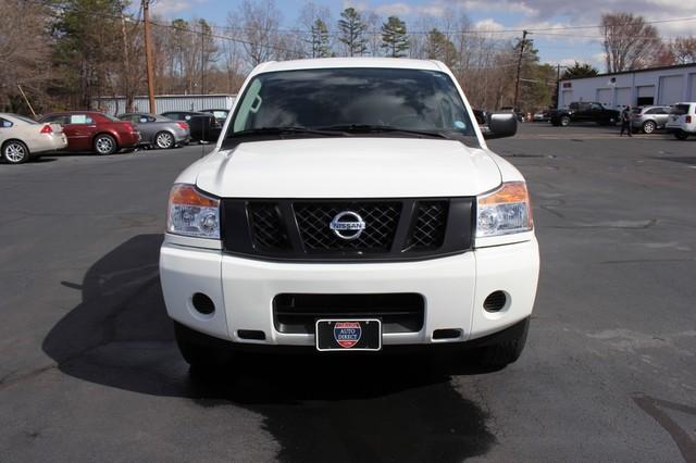 2014 Nissan Titan Crew Cab 4x4 - POPULAR PKG! - NEW TIRES! Mooresville , NC 12
