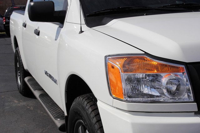 2014 Nissan Titan Crew Cab 4x4 - POPULAR PKG! - NEW TIRES! Mooresville , NC 26