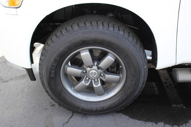 2014 Nissan Titan Crew Cab 4x4 - POPULAR PKG! - NEW TIRES! Mooresville , NC 38
