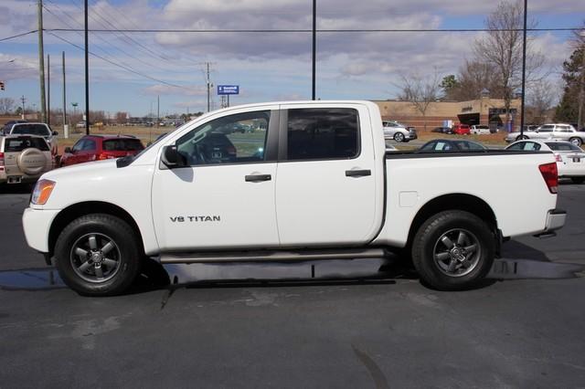2014 Nissan Titan Crew Cab 4x4 - POPULAR PKG! - NEW TIRES! Mooresville , NC 11