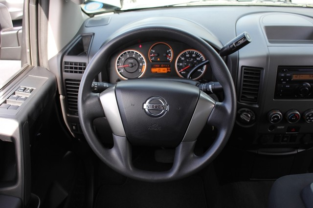2014 Nissan Titan Crew Cab 4x4 - POPULAR PKG! - NEW TIRES! Mooresville , NC 2