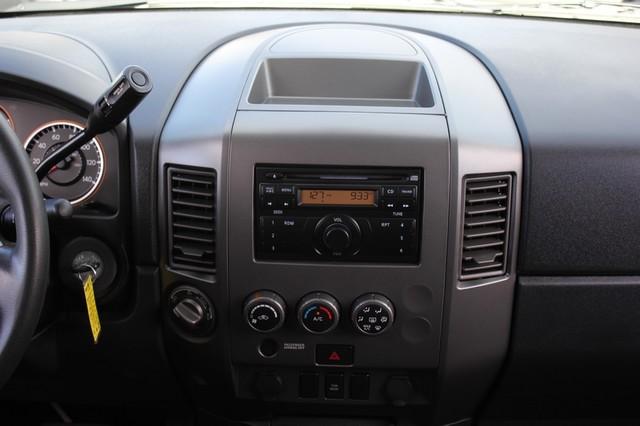 2014 Nissan Titan Crew Cab 4x4 - POPULAR PKG! - NEW TIRES! Mooresville , NC 6