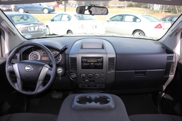 2014 Nissan Titan Crew Cab 4x4 - POPULAR PKG! - NEW TIRES! Mooresville , NC 42