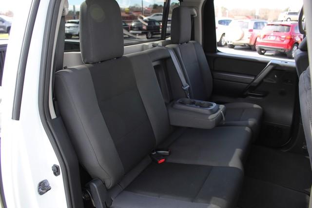 2014 Nissan Titan Crew Cab 4x4 - POPULAR PKG! - NEW TIRES! Mooresville , NC 8
