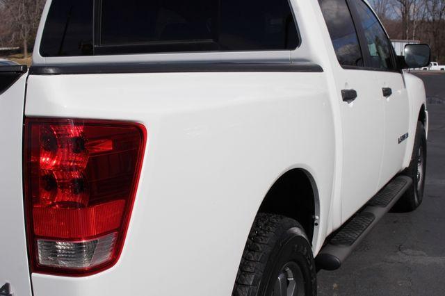 2014 Nissan Titan Crew Cab 4x4 - POPULAR PKG! - NEW TIRES! Mooresville , NC 29