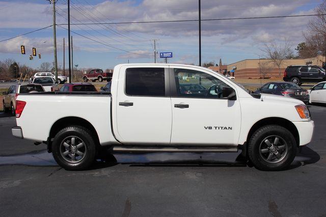 2014 Nissan Titan Crew Cab 4x4 - POPULAR PKG! - NEW TIRES! Mooresville , NC 10