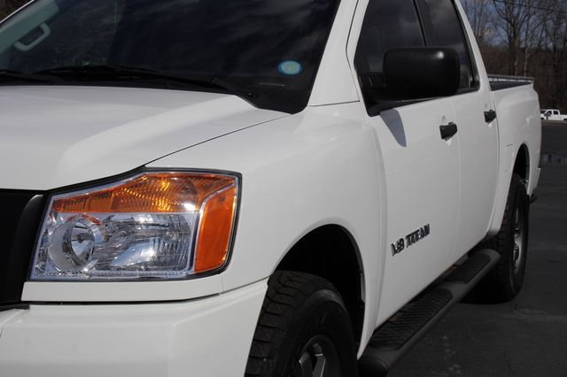 2014 Nissan Titan Crew Cab 4x4 - POPULAR PKG! - NEW TIRES! Mooresville , NC 28