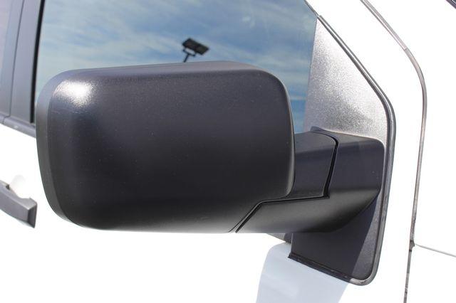 2014 Nissan Titan Crew Cab 4x4 - POPULAR PKG! - NEW TIRES! Mooresville , NC 25