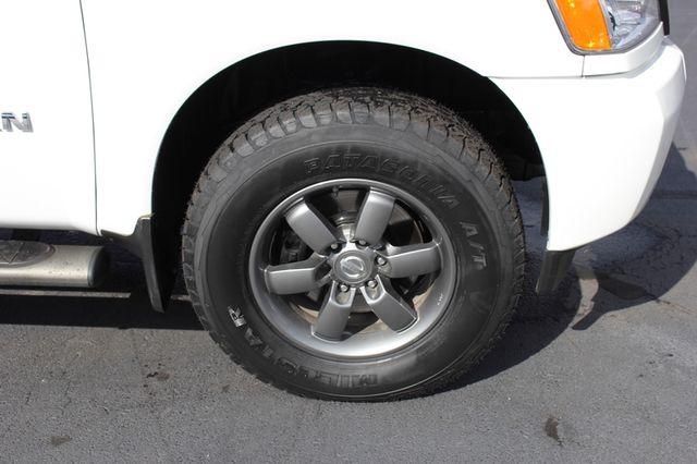 2014 Nissan Titan Crew Cab 4x4 - POPULAR PKG! - NEW TIRES! Mooresville , NC 37