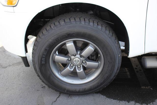 2014 Nissan Titan Crew Cab 4x4 - POPULAR PKG! - NEW TIRES! Mooresville , NC 39