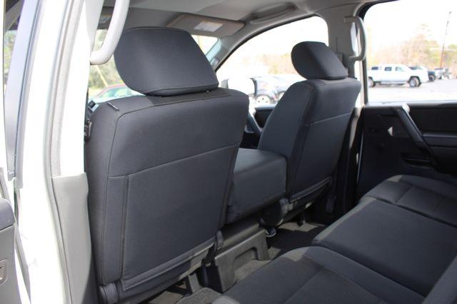 2014 Nissan Titan Crew Cab 4x4 - POPULAR PKG! - NEW TIRES! Mooresville , NC 57