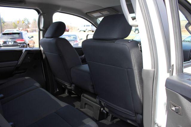 2014 Nissan Titan Crew Cab 4x4 - POPULAR PKG! - NEW TIRES! Mooresville , NC 56