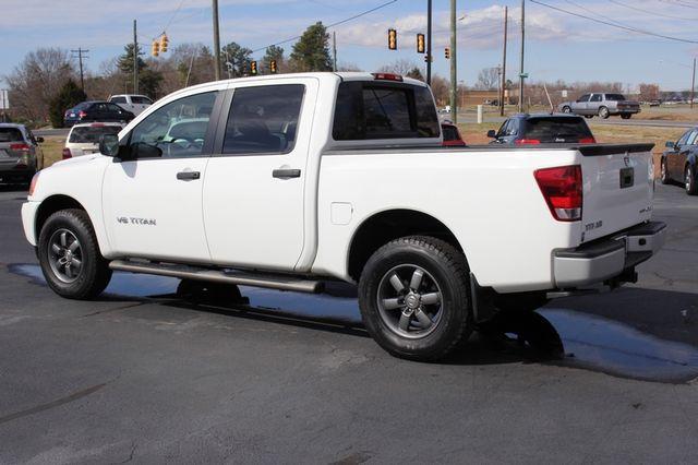 2014 Nissan Titan Crew Cab 4x4 - POPULAR PKG! - NEW TIRES! Mooresville , NC 22