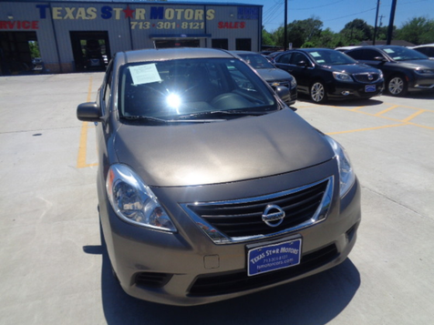 2014 Nissan Versa S in Houston