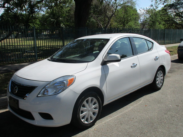 2014 Nissan Versa SV Come and visit us at oceanautosalescom for our expanded inventoryThis offer