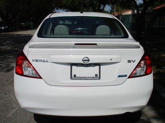 2014 Nissan Versa SV Miami, Florida 3