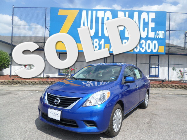 2014 Nissan Versa SV  VIN 3N1CN7AP3EL802297 19k miles  AMFM CD Player AC Cruise Power Loc