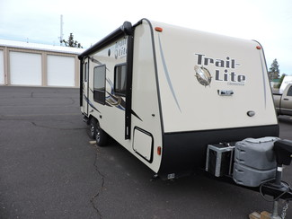 2014 R-Vision TLX-210QB 23 Ft. LIKE NEW Trail-Lite Bend, Oregon 1