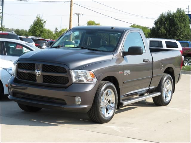 2014 Ram 1500 4WD Reg Cab HEMI SHORTBOX in Des Moines IA
