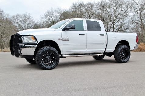 2014 Ram 2500 LOW MILES - 4x4 in Liberty Hill , TX