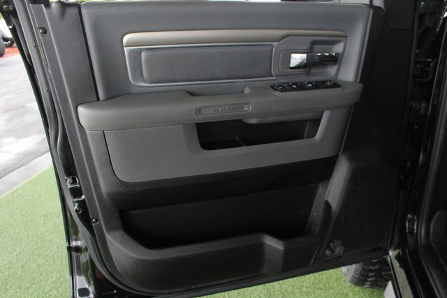 2014 Ram 2500 Big Horn Mega Cab 4x4 - 6-SP MANUAL - EXTRA$! Mooresville , NC 45