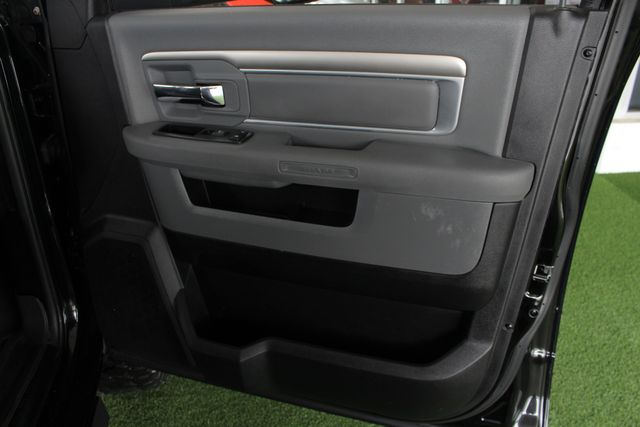 2014 Ram 2500 Big Horn Mega Cab 4x4 - 6-SP MANUAL - EXTRA$! Mooresville , NC 46