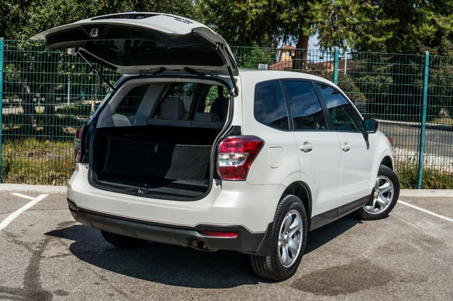 2014 Subaru Forester 2.5i AWD - AUTO - 36K MILES - 1-OWNER Reseda, CA 12