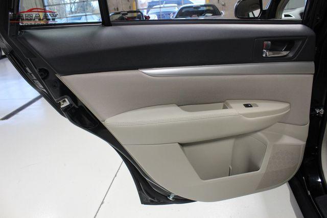 2014 Subaru Outback 2.5i Merrillville, Indiana 24