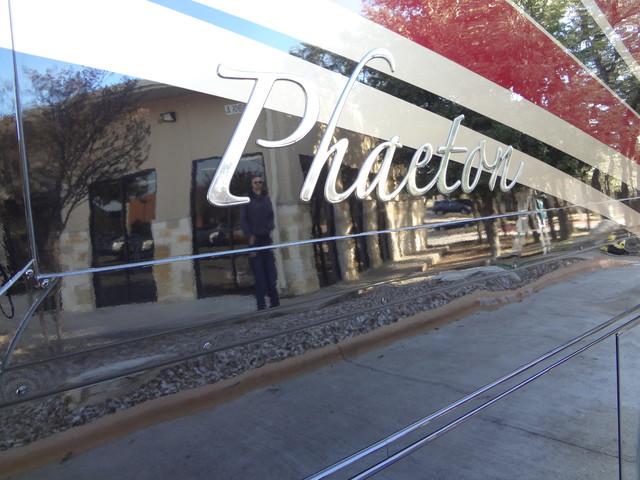 2014 Tiffin Phaeton 40 QKH Austin , Texas 8