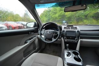 2014 Toyota Camry Hybrid XLE Naugatuck, Connecticut 13